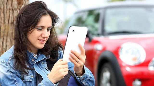 Manfaat Kepoin Media Sosial Gebetan Sebelum Kencan Pertama