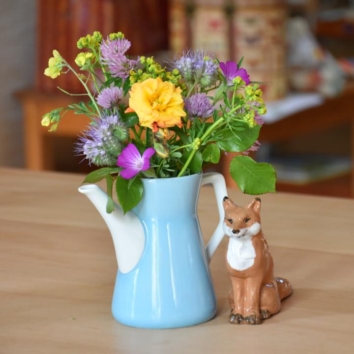 Gartenblumen in der Vase
