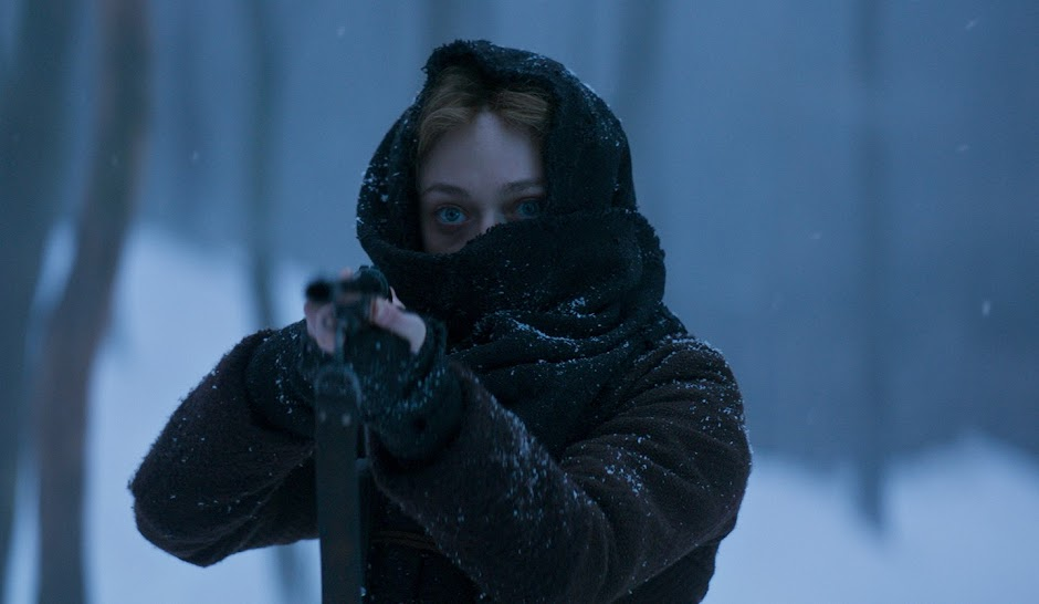 Brimstone | Dakota Fanning e Guy Pearce no trailer do suspense no velho oeste