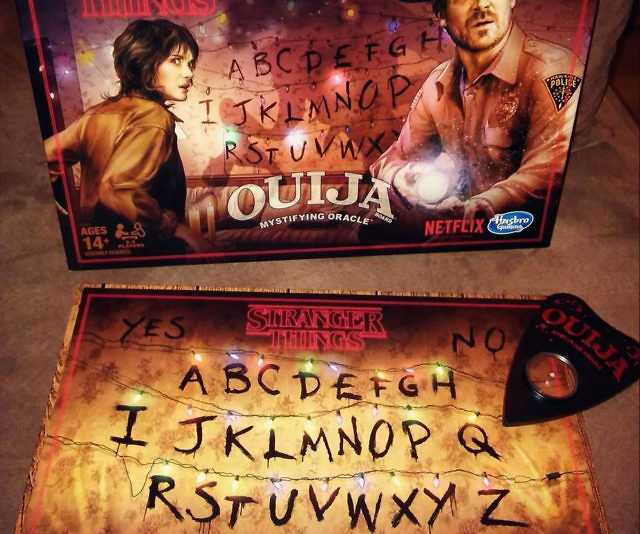 Unlock the secrets of the enigmatic realm of the Upside Down by gathering a few brave souls around this Stranger Things Ouija board. Based on the hit Netflix show, the game board features the iconic twinkly Christmas lights strung up above each letter.