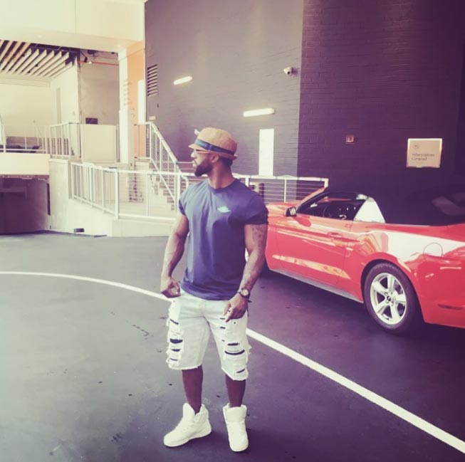 Iyanya shows off swag in white sneakers