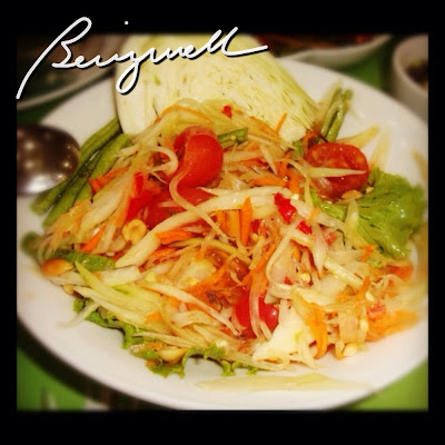 "Making Somtam ""Papaya"" Salad"
