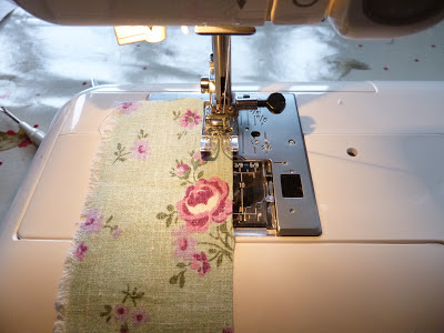Scrappy Spring Bunting Tutorial by fabricandflowers   Sonia Spence