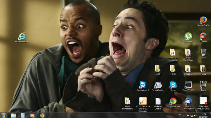 28 Creatively Hilarious Desktop Wallpapers We Wished We Had Thought Of First - Explorer Is Terrifying