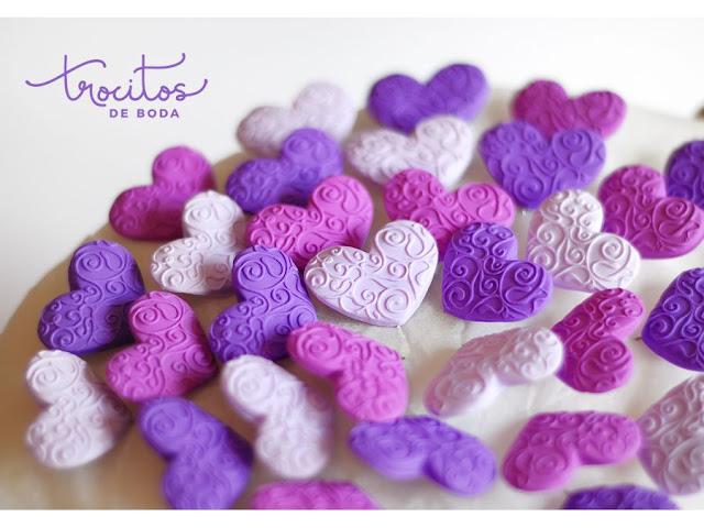 Alfileres India en tonos morados y violetas y el Color Pantone Ultraviolet