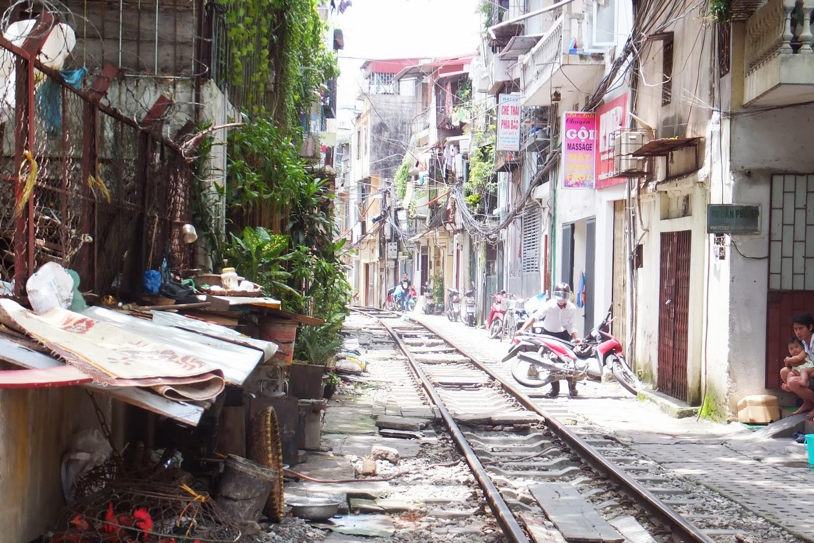 hanoi-railroad ハノイの線路