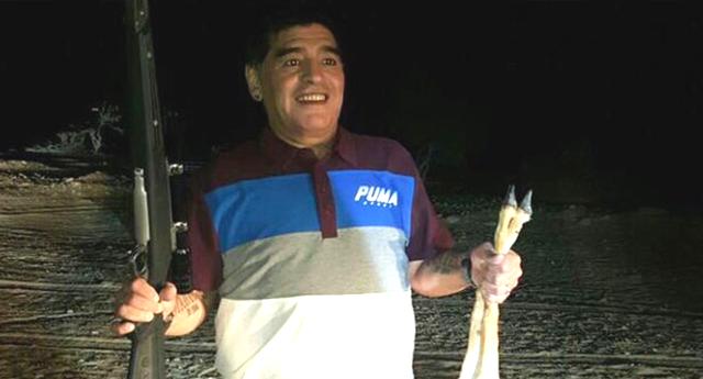 Maradona incendia las redes tras cazar un animal en extinción
