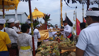 Melasti di Cirebon Berlangsung Khidmat
