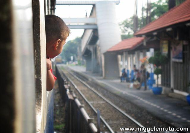 Tren-Ayutthaya-Tailandia