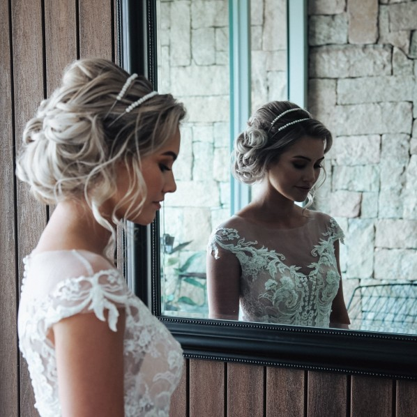 GLADSTONE WEDDING PHOTOGRAPHER BRIDAL GOWN JONOVIA WEDDING HAIR AND MAKEUP