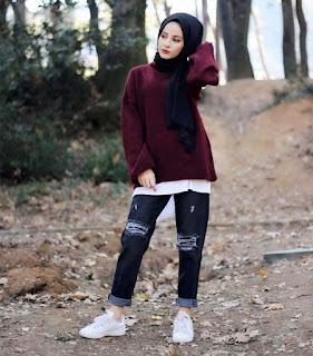 Model celana jeans wanita pertama