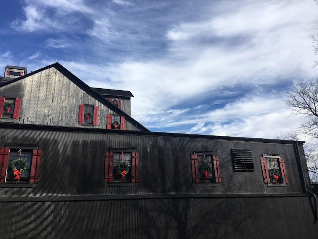 Maker's Mark Distillery Tour for your Kentucky Bucket List