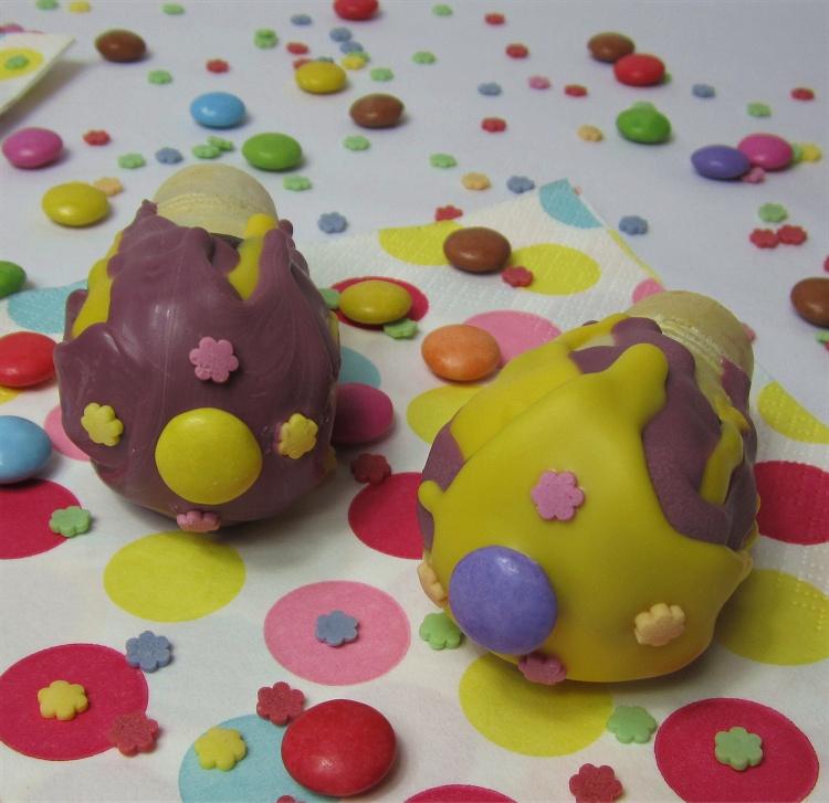 Zitronen-Cakepops in der Eiswaffel 3