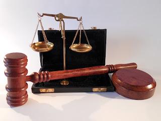 12 Atos de Improbidade Administrativa que Importam Enriquecimento Ilícito
