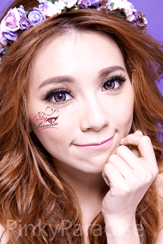 G&G Blossom Pink Circle Lenses Model Image 2