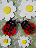 https://laventanaazul-susana.blogspot.com.es/2017/03/205-mariquitas-crochet.html