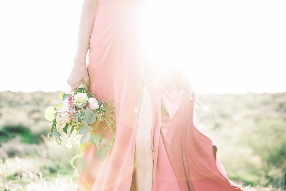 Porady stylisty: jak wybrać sukienkę na wiosenne/letnie wesele?