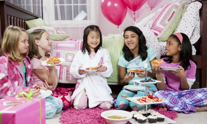 Fiesta-de-pijamas (se desconoce autor)
