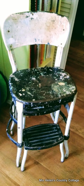 Retro Kitchen Stool at Miz Helen's Country Cottage