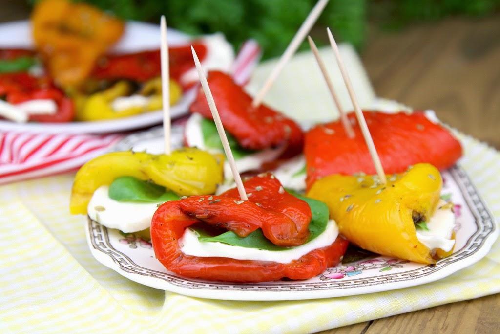 Roladki z pieczonej papryki z mozzarellą
