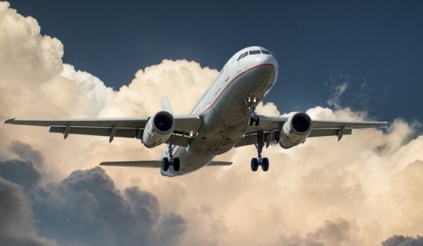 لبنان يوقف تزويد طيران سورية وإيران بالوقود