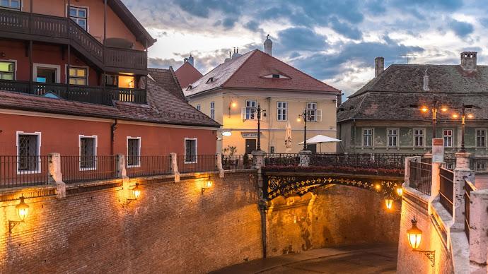 Wallpaper: Travel: Vintage City (Sibiu) Architecture