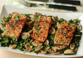 Salmon With Spinach and Mushrooms Recipe