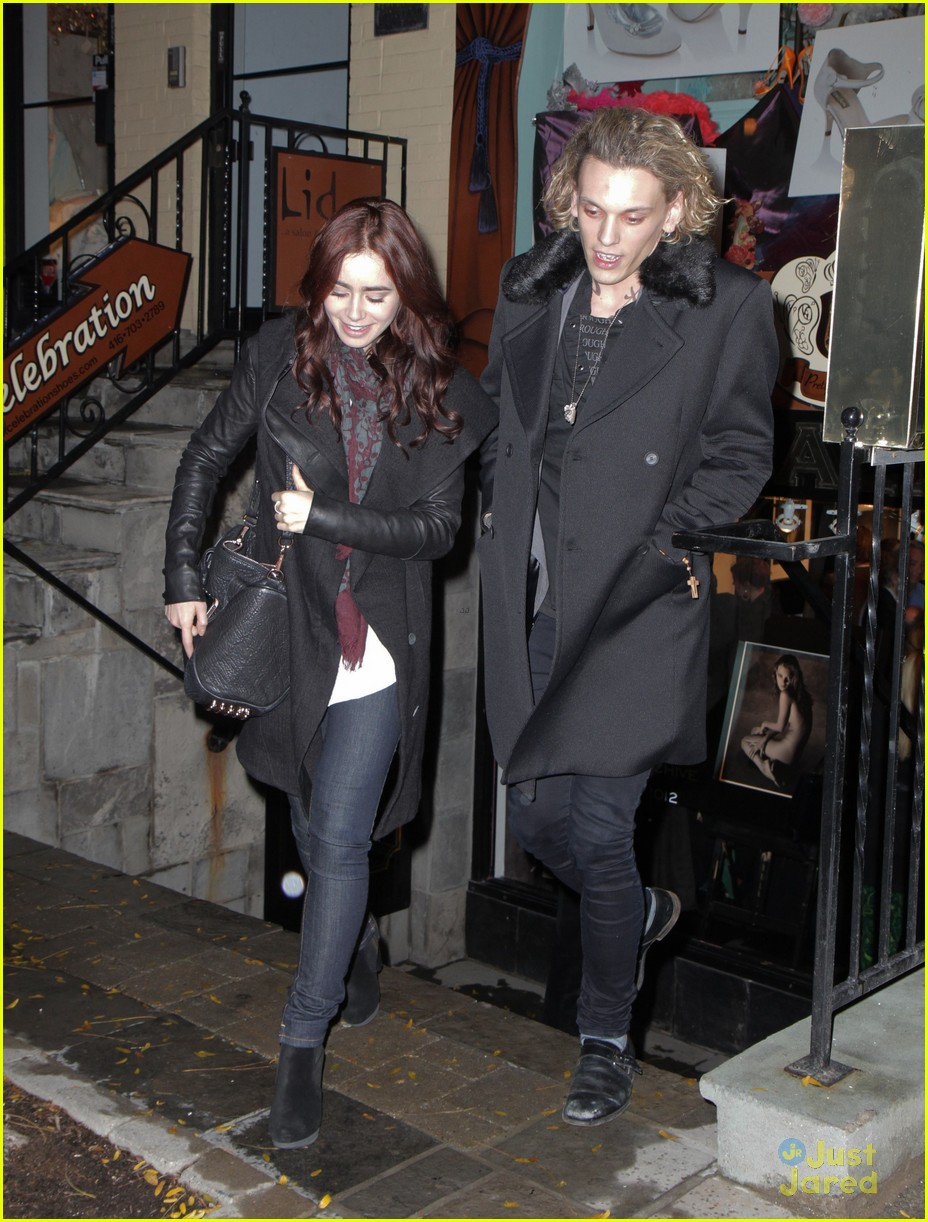 Lily Collins Jamie Campbell Bower