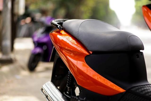 Sơn xe Honda Dylan màu cam Z1000