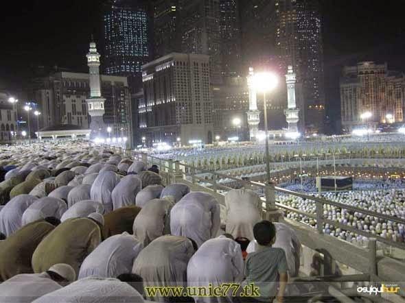 Shalat tarawih di Masjidil Haram