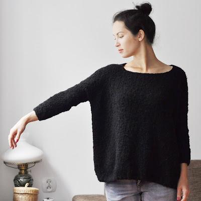 sweter boucle na drutach