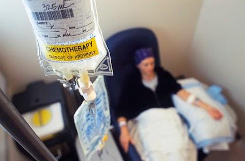 Vénába ültetett szivacskával csökkentenék a kemoterápia mellékhatásait