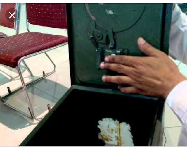 INSTRUCTIONS FOR OPERATING BALLOT BOXES, Sealing of the Ballot Box — - ACE Electoral Knowledge Network Sealing of ballot boxes after poll