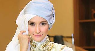 Hijab Inneke Koesherawati