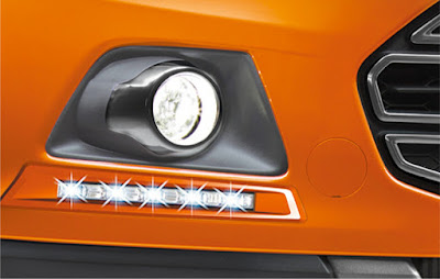 Ford EcoSport Black Signature Edition fog lamp with day time runing light
