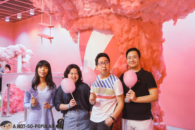 Edna, Anna, Renz and Emil in Cotton Candy Station in Dessert Museum