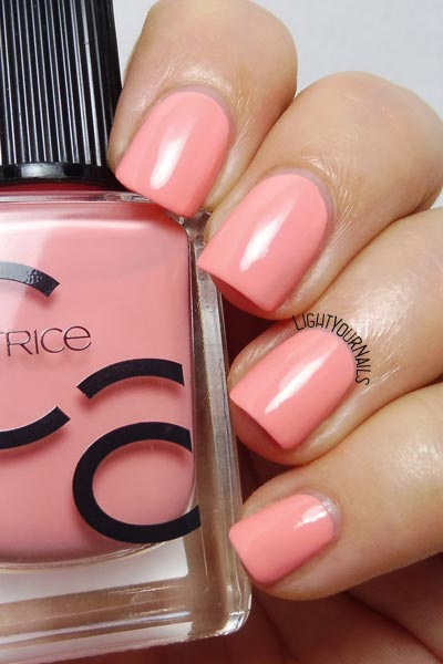 Catrice ICONails 08 Catch Of The Day salmon pink nail polish smalto rosa salmone #lightyournails