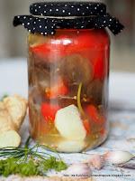 ucho bzowe kiszone, grzyby kiszone, papryka kiszona z grzybami, kiszonki, przetwory, sieje ferment, fermentacja, kiszenie w domu, grzyby mun kiszone