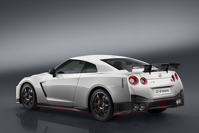 New Nissan GT-R Nismo 2017 base Price $176,585 back view