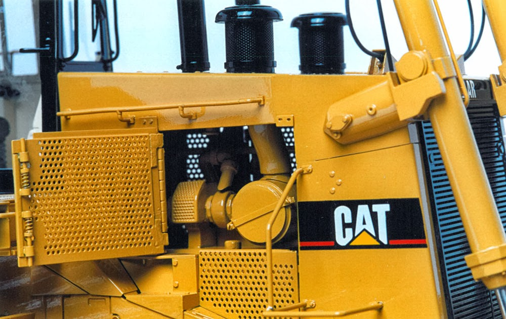 Memorable Model: Cat D11R Track-Type Tractor in 1:24 scale
