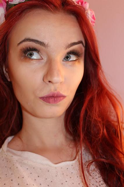 Makijaż ze sztucznymi rzęsami