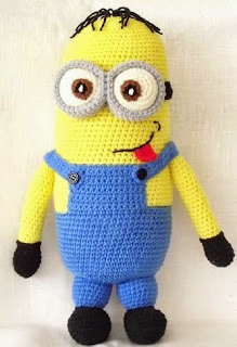 http://www.ravelry.com/patterns/library/minion-crochet-pattern