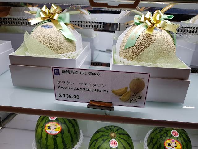 Frutta-Centro commerciale Takashiama-Singapore