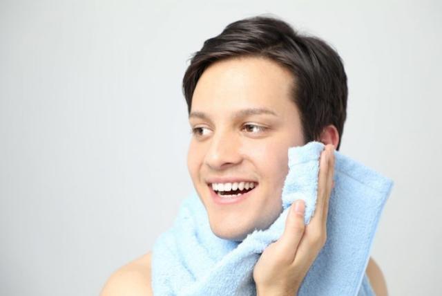 manfaat cloris mencerahkan kulit wajah