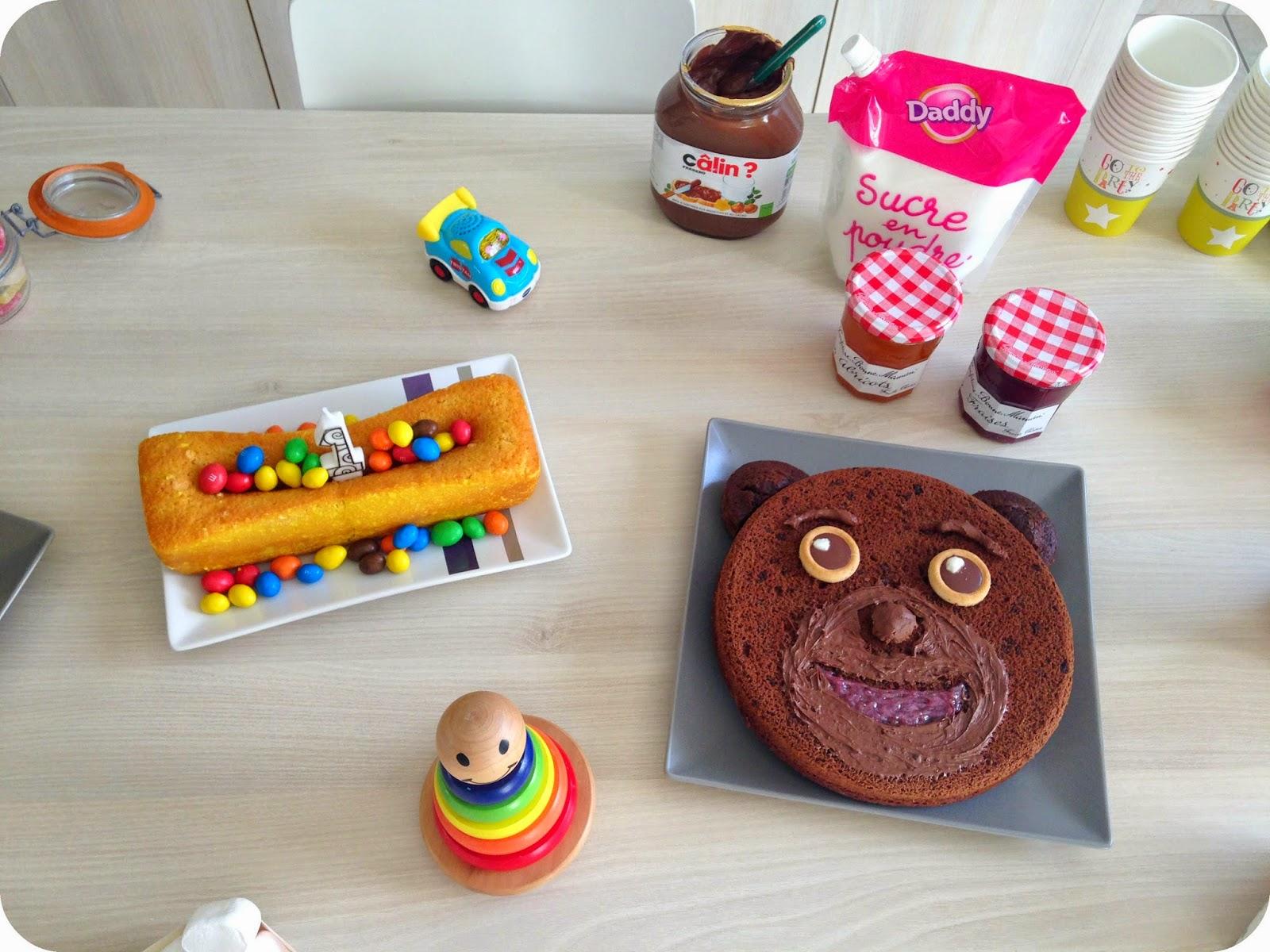 gâteau au citron et au chocolat en forme de petit ours brun