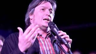 Máximo Kirchner, días atrás, en un un acto en Florencio Varela. Es uno de los diputados que no se recibió.