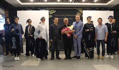 Fashion show Itang Yunasz & Indigologia