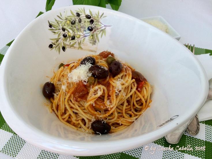 spaghetti-puttanesca-plato