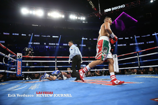 Jaime Munguia KOs Brandon Cook in The Third