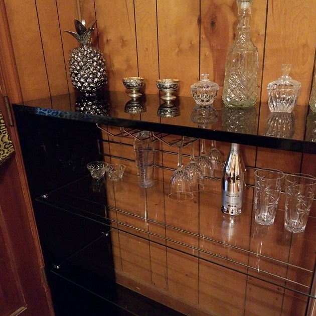 Best Choice Products Glass Bar Review